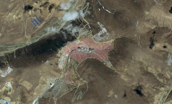 Satellite image of Larung Gar