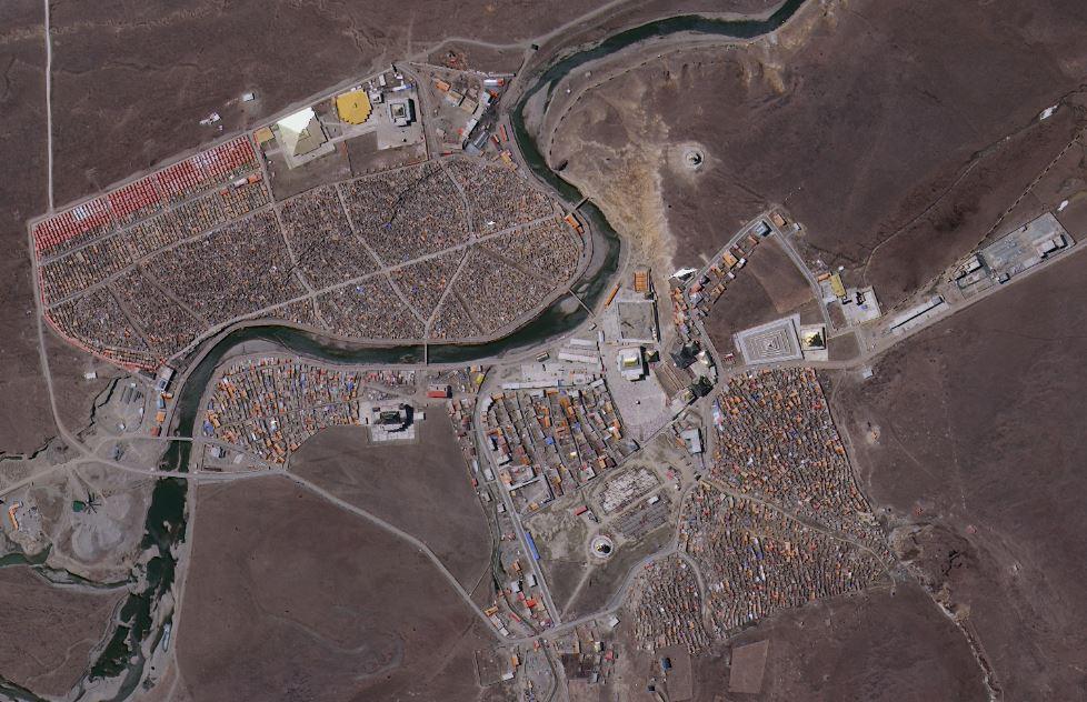 Yarchen Gar - as view by satellite